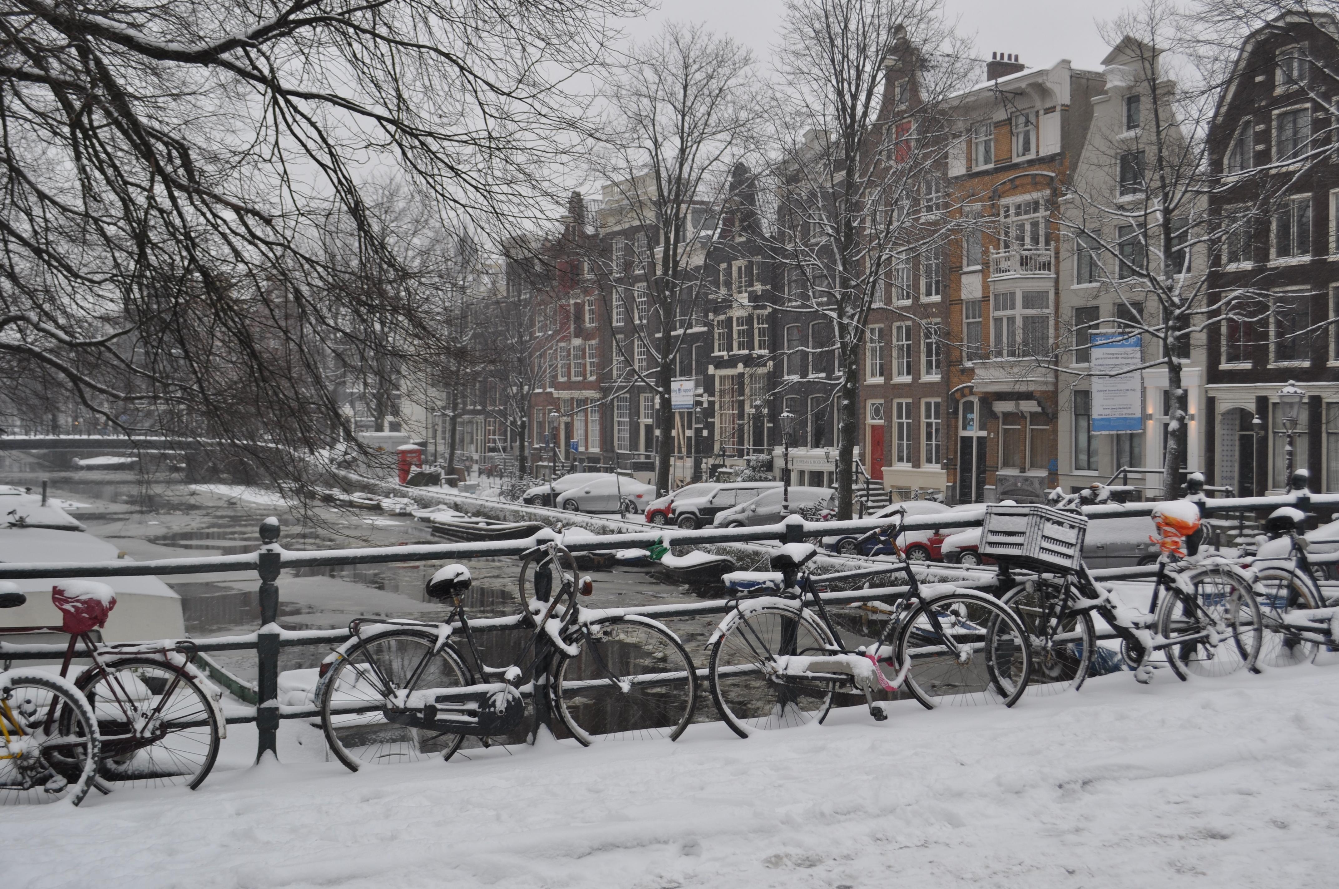 winter wonderland in amsterdam koobsgodutch. Black Bedroom Furniture Sets. Home Design Ideas